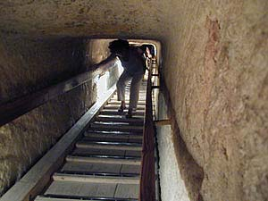http://www.mesvoyages.net/Images/Egypte/pyramides/119descente.jpg